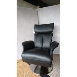 5049 Lænestol med indbygget skammel fra Hjort Knudsen