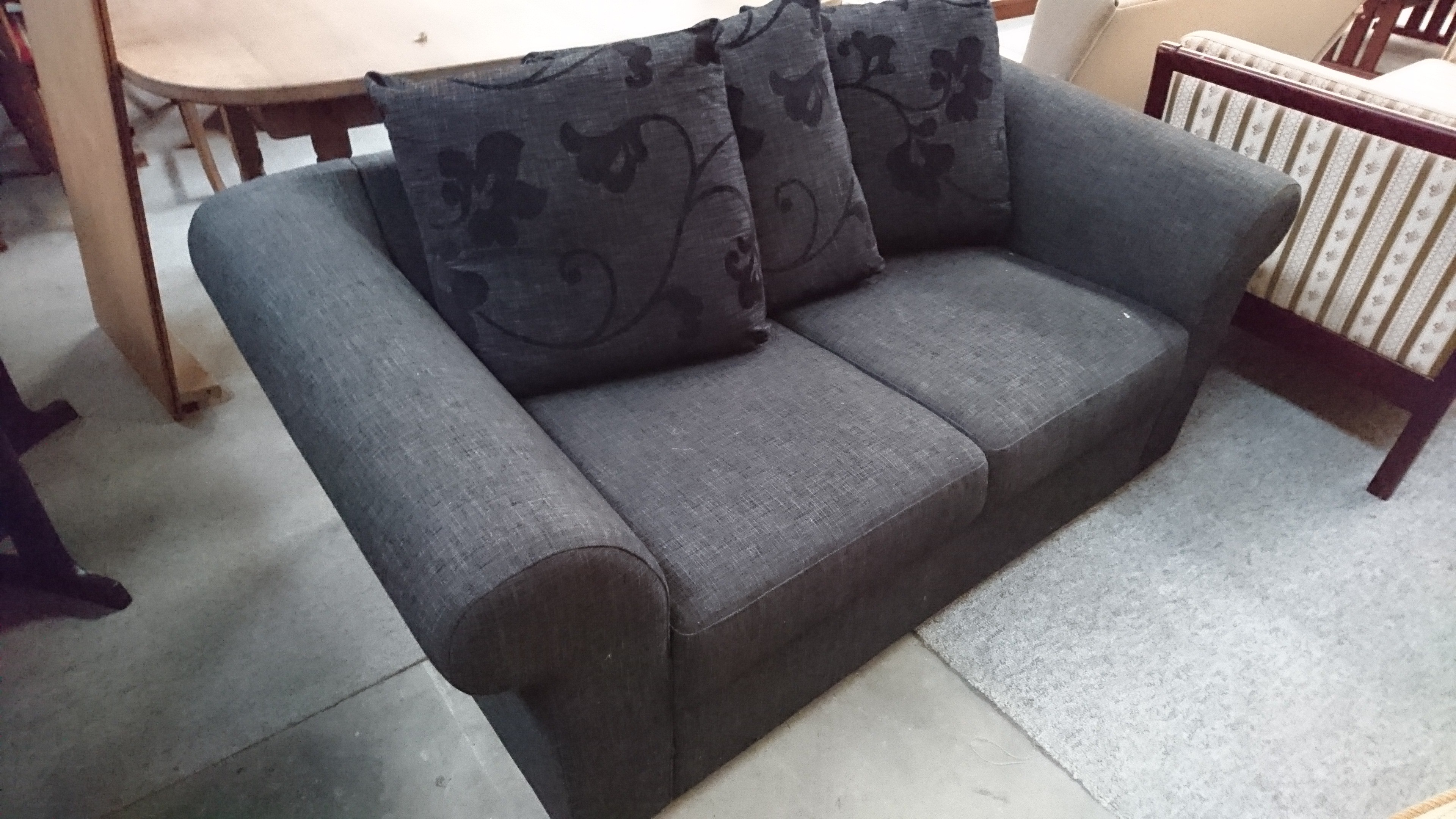 Picture of: Brugt 2 Pers Sofa